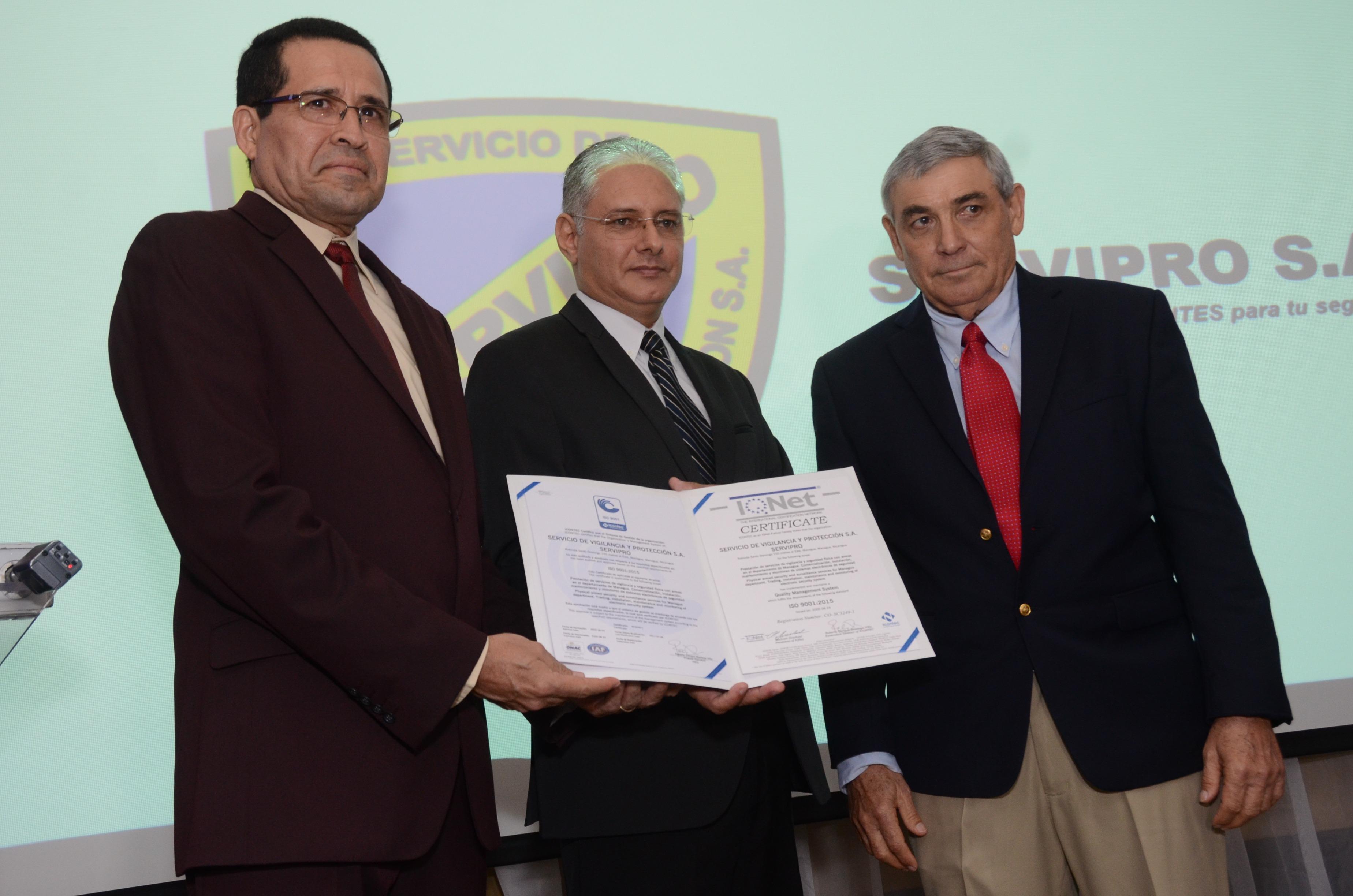 Entrega de certificación ISO 9001